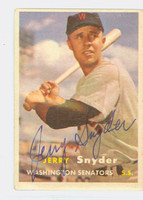 Jerry Snyder AUTOGRAPH 1957 Topps #22 Senators CARD IS VG