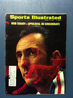 1970 Sports Illustrated Jan 26 Bob Cousy Good to Very Good [Tears on binding at staples]