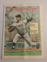 1972 Sporting News June 10 Mickey Lolich Excellent to Mint lt. center fold from mailbox