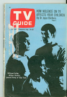 1968 TV Guide Aug 24 Star Trek Chicago edition Very Good  [Loose at staples, label removed; contents fine]