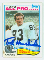 Ted Hendricks AUTOGRAPH 1982 Topps Football #190 Raiders HOF '90 CARD IS F/G; CRN WEAR, SM STAIN
