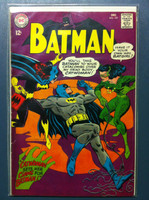 BATMAN #197 The Catwoman Sets Her Claws on Batman Dec 67 Very Good to Fine Lt wear, ow clean