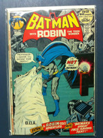 BATMAN #240 Dr Moon (1st app) : Vengeance for a Dead Man Mar 72 Very Good to Fine Lt wear, ow clean