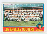 1976 Topps Baseball 46 Dodgers Team Excellent to Mint
