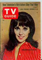 1966 TV Guide Nov 12 Marlo Thomas of That Girl (First Cover) Eastern Illinois edition Very Good - No Mailing Label  [Heavy scuffing along binding, contents fine]