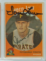 Vern Law AUTOGRAPH 1959 Topps #12 Pirates  CARD IS G/VG; RND CRNS