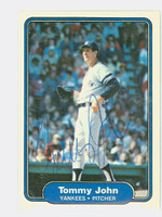 Tommy John AUTOGRAPH 1982 Fleer #40 Yankees 