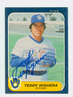 Ted Higuera AUTOGRAPH 1986 Fleer Brewers 