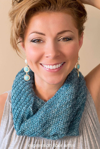 Free Swirling Sea Knitted Cowl Pattern