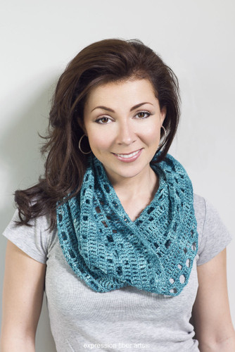 Free Harbor Cowl Crochet Pattern