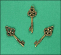 Key of Clubs (Detailed) Charm - Antique Brass