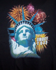 Statue of Liberty T-Shirt Fireworks Black Size Large