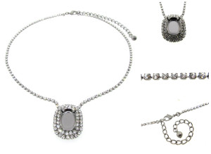 Empty Single Setting Necklace With Crystal Rhinestones 18x13mm Oval 1 Piece