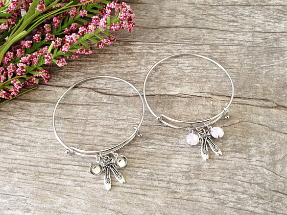 Ballet Slippers Charm With Two 8.5mm (39ss) Empty Settings On An Expandable Bracelet