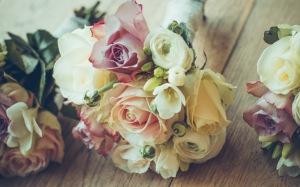 roses-bouquet-composition-design-97401-300x187.jpg