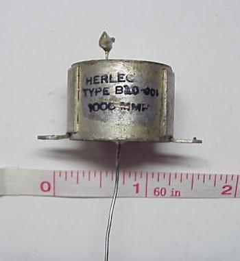 http://d3d71ba2asa5oz.cloudfront.net/12020519/images/herlec1000mmf_capacitor.jpg