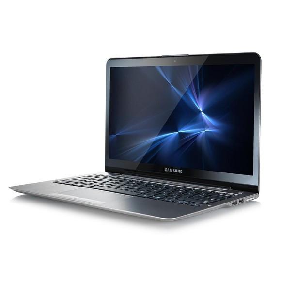 Samsung 540U - Side Display View