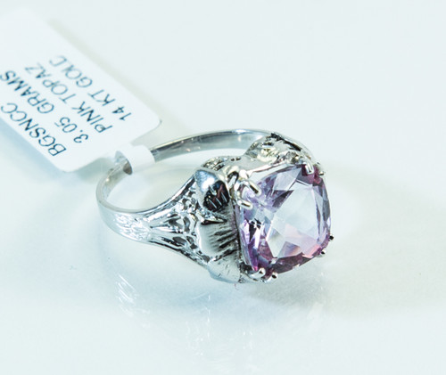 14 KT White Gold Vintage Pink Topaz Ring
