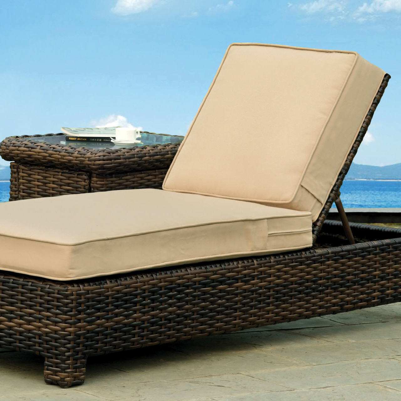 Saint tropez outdoor chaise lounge for Atlantis wicker patio chaise lounge