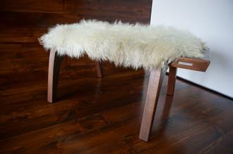 Minimalist Mahogany wood bench Upholstered with curly creamy white Norwegian Pelssau sheepskin - B0516M6