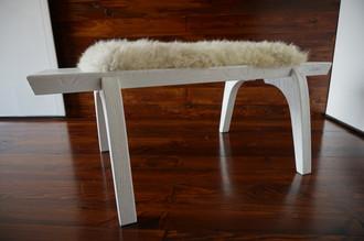 Minimalist white Oak wood bench Upholstered with curly cream white Norwegian Pelssau sheepskin - B0516O4