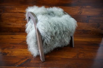 Oak wood Magazine Rack with genuine silver Norwegian Pelssau sheepskin rug - soft curly wool - (MR11)