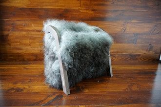 Oak wood Magazine Rack with genuine dark silver Norwegian Pelssau sheepskin rug - soft curly wool - (MR13)