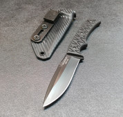 BLACK BLADE WITH BLACK SCALES AND CARBON FIBER SHEATH
