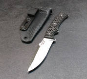 STAINLESS BLADE WITH BLACK CARBON FIBER SCALES AND BLACK CARBON FIBER SHEATH