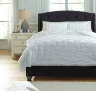 Rimy White Queen Comforter Set