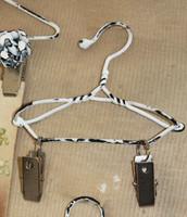 """CIH021 - Clip Hanger 8"""""""