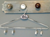 CIH206 - Farmhouse Hanger Zinc