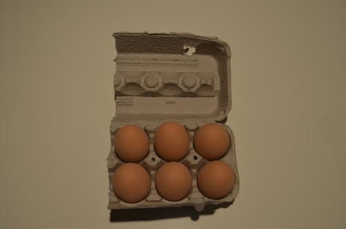 6 -  Ceramic Nest Eggs in Grade A Large 1/2 Carton
