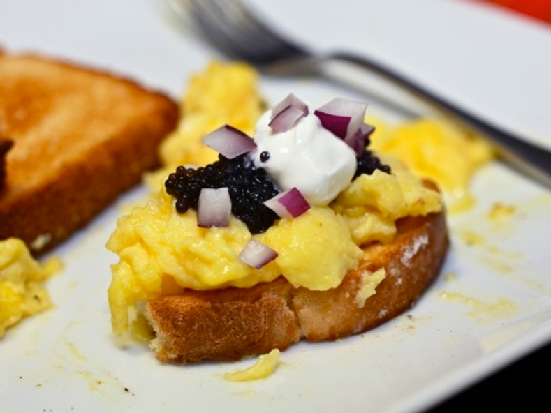 Caviar Recipes - Creamy Scrambled Eggs with Paddlefish Caviar