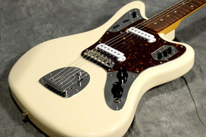 FENDER Japan Exclusive Classic 60S Jaguar Vintage White