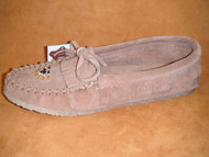 Women's Laurentian Chief Short Suede Fringed Moccasin with Gum Sole