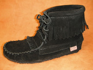 Women's Laurentian Chief Black Suede Fringed Moccasin