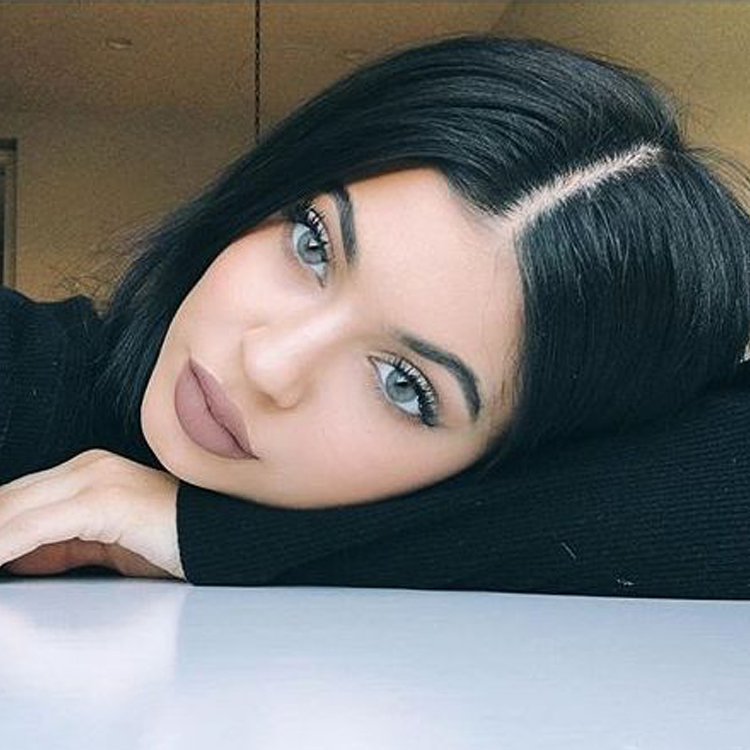 Kylie wearing Solotica Hidrocharme Crystal