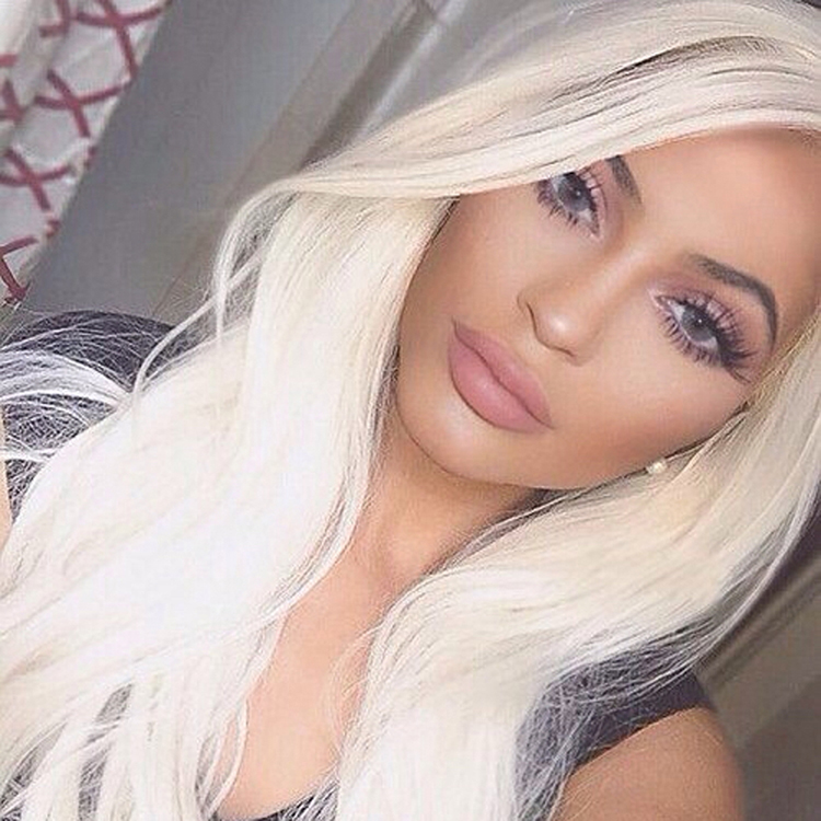 Kylie Jenner Wears Her Solotica Color Contact Lenses On Repeat Luxe Lenses