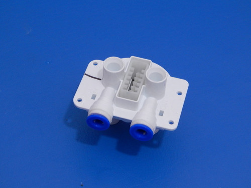 Frigidaire Side By Side Refrigerator LFUS2613LP0 Water Filter Head 242009601