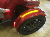 FRONT FENDER COMPLETE LED REFLECTOR KIT BY SHOW CHROME. FITS ALL RT SPYDERS WITH THE NEW STYLE FENDERS.INCLUDES CUSTOM PLUG AND PLAY WIRING HARNESS.