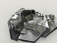 Large size highly crystalline MoSe2 crystals