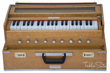 MAHARAJA Harmonium No.5800n - Folding Safri, 9 Stop, Natural Color, A440, 42 Keys,  Coupler, Bag & Book - (BR-AHH)