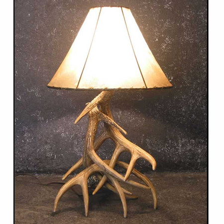 CHW3L Whitetail 3 Antler Table Lamp