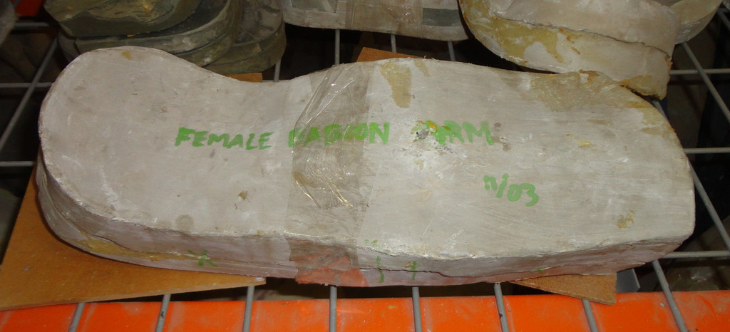 Female Baboon Arms Mold