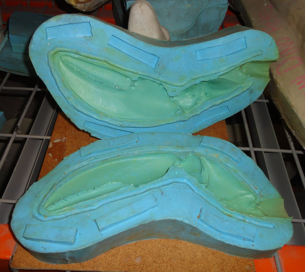 Lobster Claw Mold Large Right