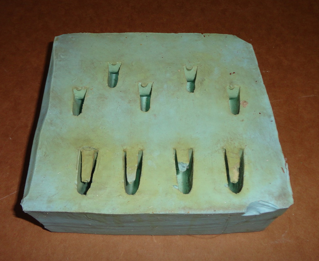 Lion Claws Mold