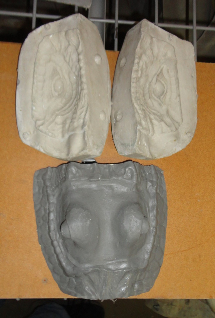 Alligator Eye Mold