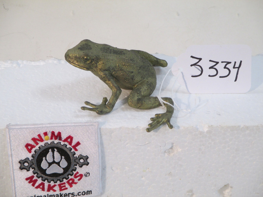 realistic frog replica by animal makers