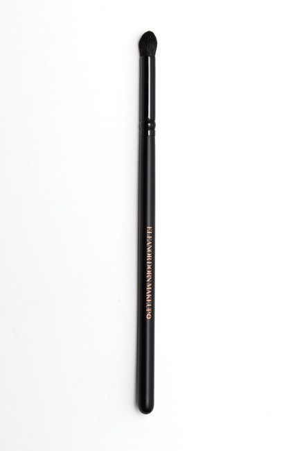 #7 Tapered Crease Brush
